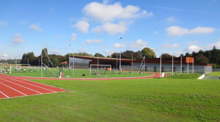 Vue des installations sportives del l'École Jeannine Manuel à Lille