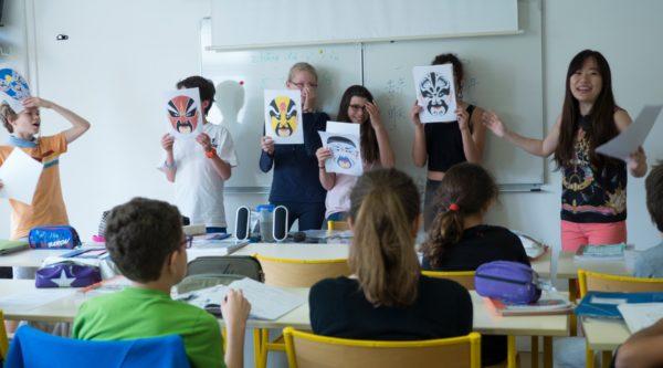 Photo d'un cours de chinois à l'École Jeannine Manuel de Paris