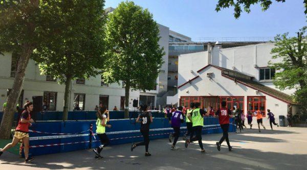 Photo de la course contre la faim dans l'École Jeannine Manuel de Paris